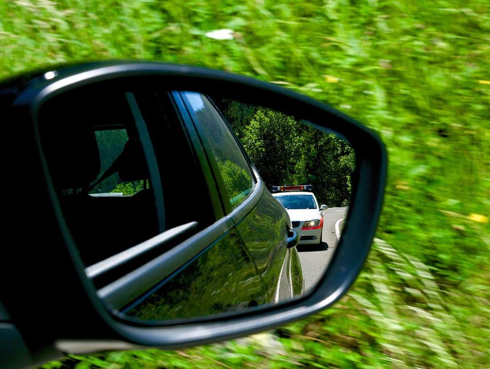 geschwindigkeitskontrolle durch nachfahren